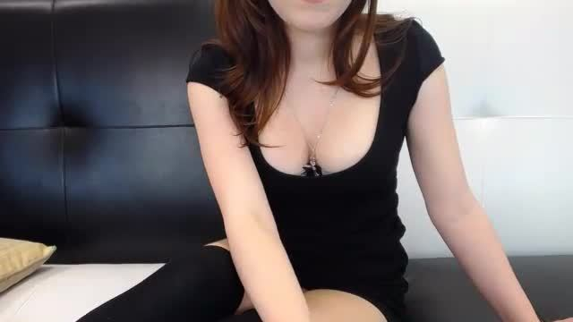 Beautiful Girl Sitting and Webcam Showing Pussy