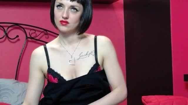 Lady Madeleine Non-nude Webcam Show