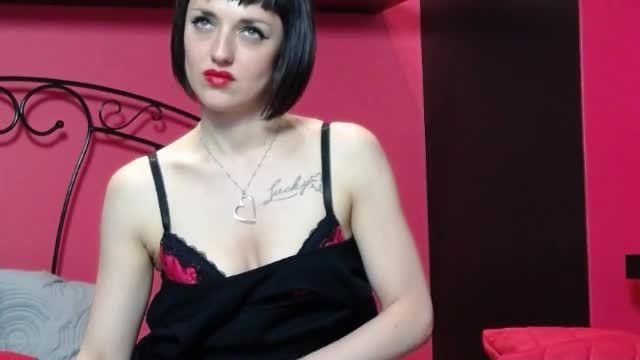 Lady Madeleine Non-nude Webcam Show