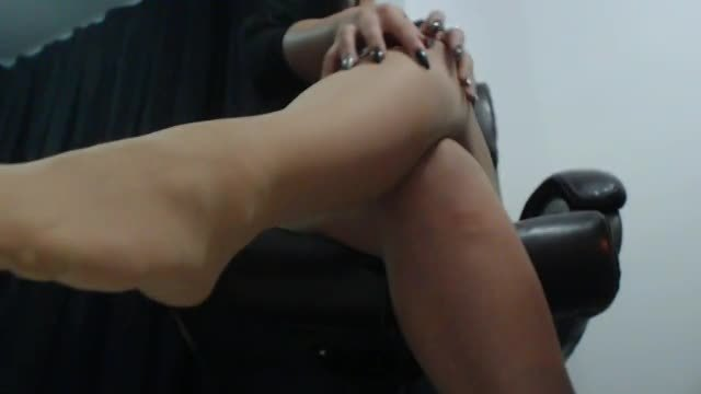 One Great Diva Webcam Shows Feet in Pantyhose