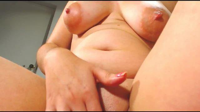 Latina Brunette Wet Vibrator Play