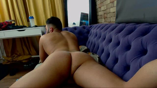 Gabriel Bliss Gives You the Rear View