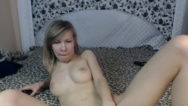 Clicking and Playing with Her Pussy!