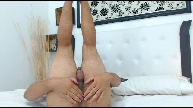 Gonzalo's Ass Twerking Webcam Show