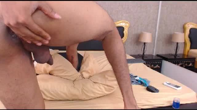 Latino Ass Play Webcam Show
