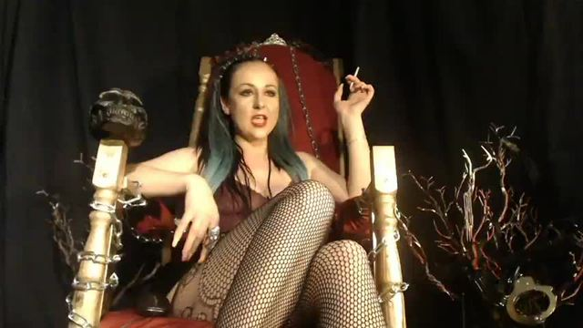 Queen Lilith Takes Her Toy into the World of Pain As Pleasure