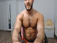Muscled Guy Webcam Showing Off His Sexy Body