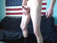 Bearded American Guy Webcam Shows His Cock