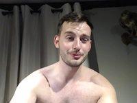 Ali Pollo Webcam Shows Off