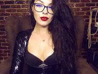 Mistress Evelyn Private Webcam Show